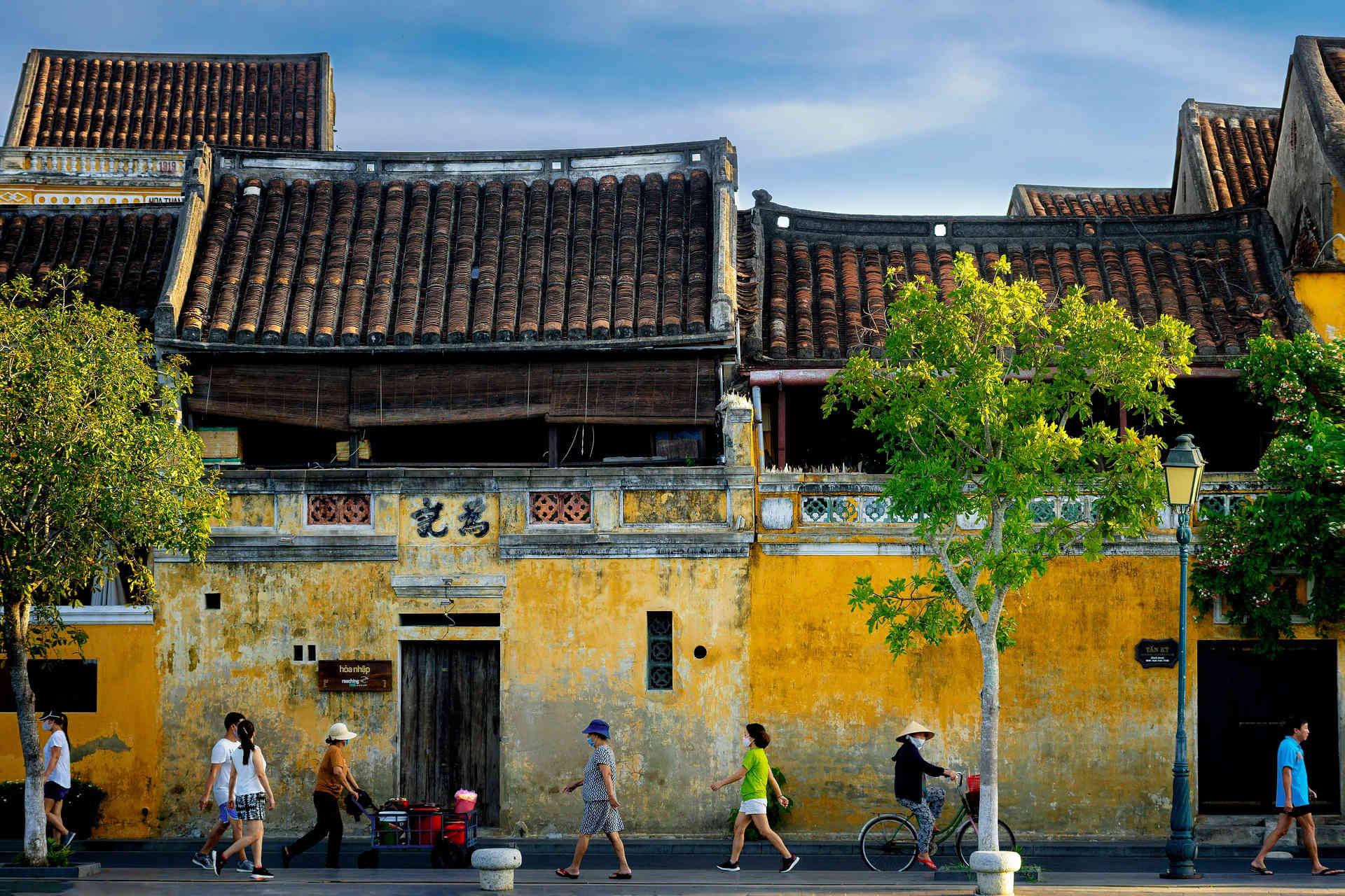 People Street Hoi An Vietnam